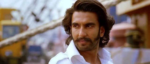 Screen Shot Of Hindi Movie Gunday (2014) Download And Watch Online Free at Alldownloads4u.Com