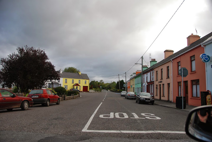 Driving in Ireland - look right, turn left