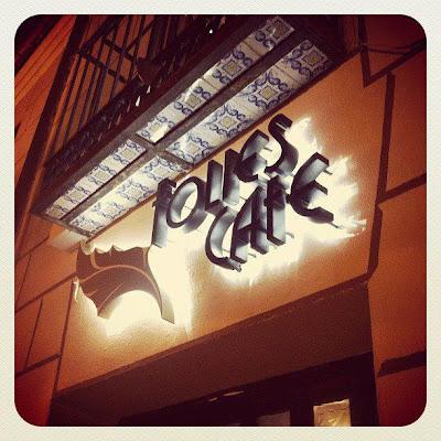 Folies Cafe, Calle Cardenal Cisneros, 32, 28802 Alcala de Henares, Madrid, Spain