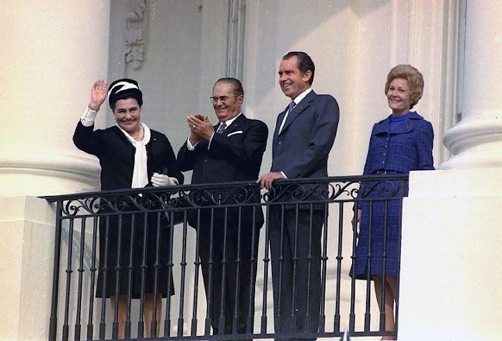 Left to right: Jovanka Broz, Tito, Richard Nixon, and Pat Nixon in the White House in 1971