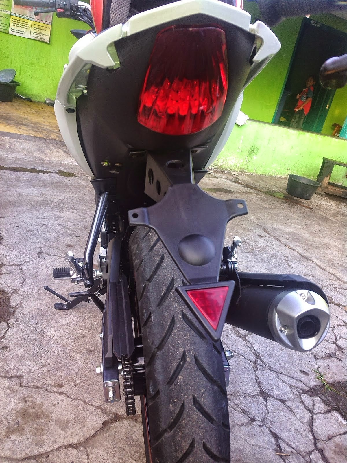 Modif Yamaha New Vixion Hitam