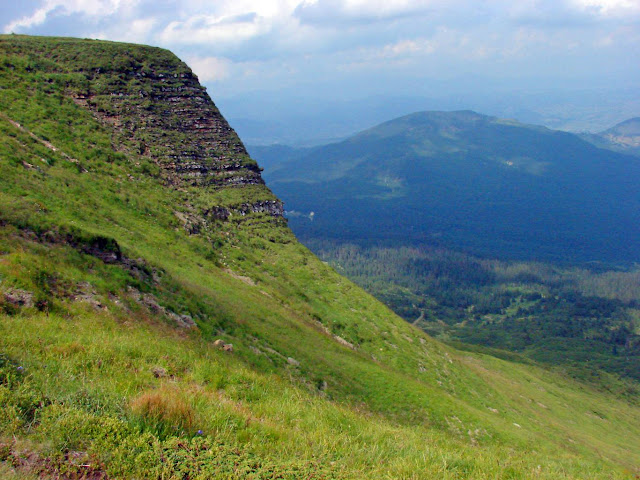 Скала Жандарм возле горы Близница