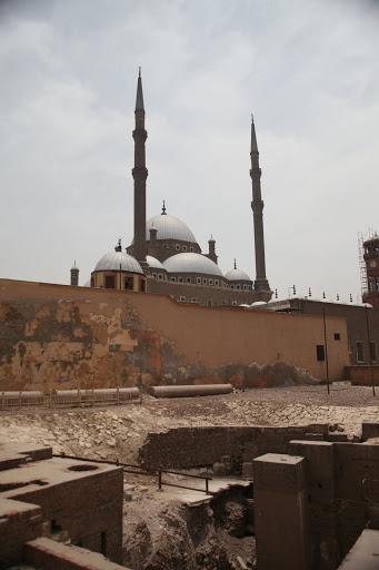 فى مصر الرجل تدب مكان ماتحب ( خاص من أمواج ) IMG_1665