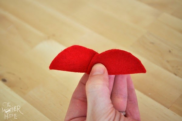 Almofada de feltro em formato de coração