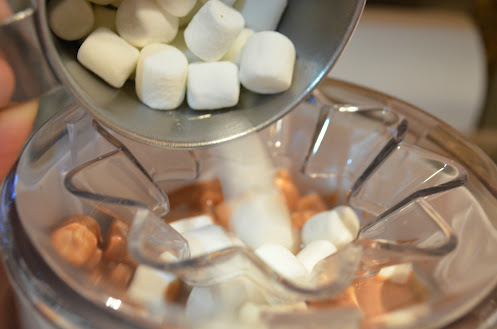 Homemade-Rocky-Road-Ice-Cream-Marshmallows.jpg