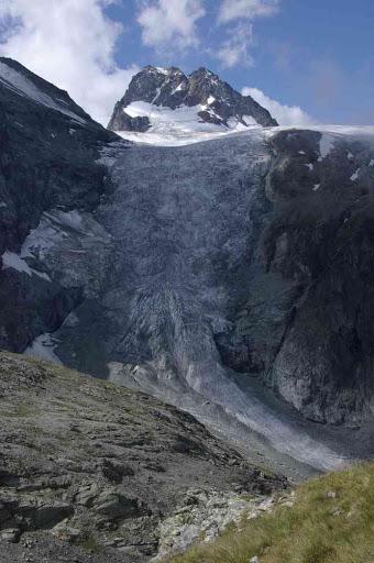 Le bas glacier d'Arolla et le petit mont Collon