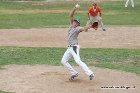 Adrián Leal García de Burócratas en el softbol dominical