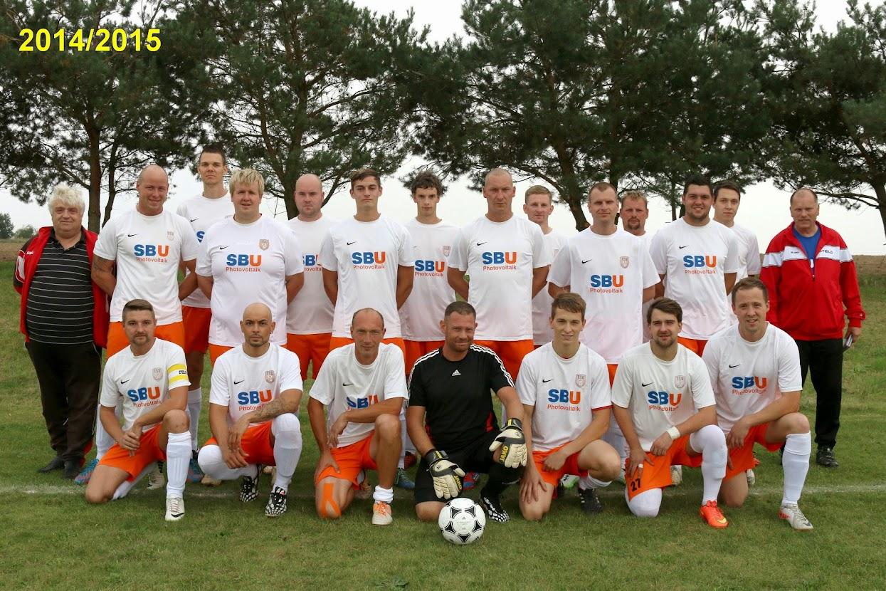Der Mannschaftskader 2014/2015 mit Vereinschef und Trainer (der Co-Trainer fehlt leider Krankheitsbedingt).