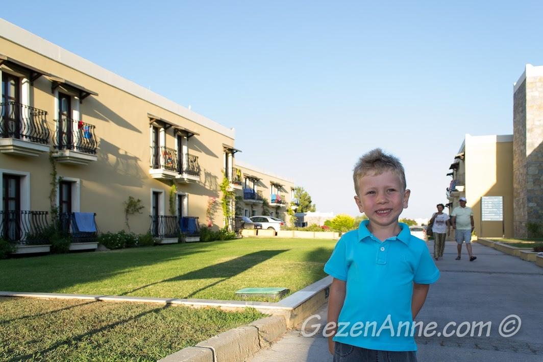 Bodrum Park Resort'te dolaşırken
