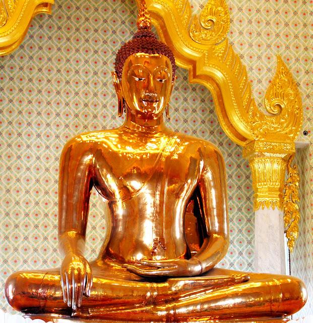golden buddha statue зурган илэрцүүд