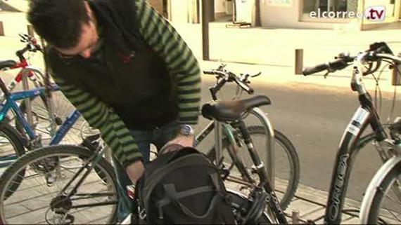 Cómo candar la bici para que no nos la roben