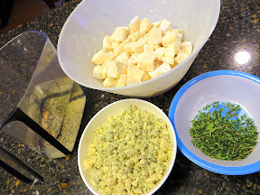 Brie and blue cheese fondue recipe ingredients- cheese, wine, tarragon to add to shallots