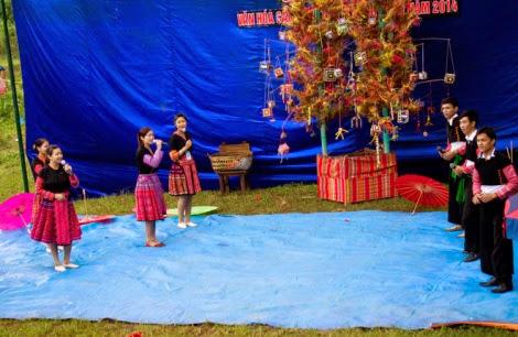 moc chau pys travel004 001 Điểm lại những hình ảnh nhộn nhịp Tết độc lập người Mông