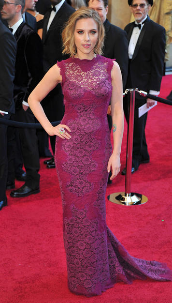 Kristine Blogs New Scarlett Johansson Oscar 2011 Dress