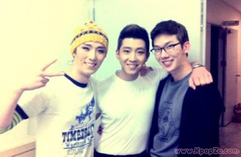 Jo Kwon ไปให้กำลังใจ  Brian ที่งานแสดงละครเวทีเรื่อง  Rent
