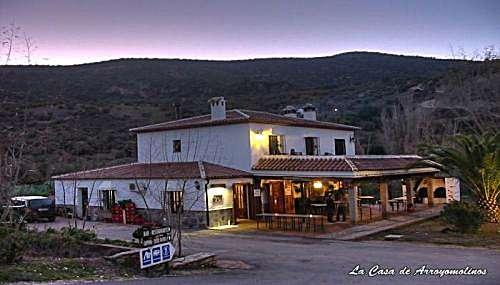 Alquiler vacaciones de casa en zahara de la sierra arroyomolinos frente a la playita artificial - Casas en zahara de la sierra ...