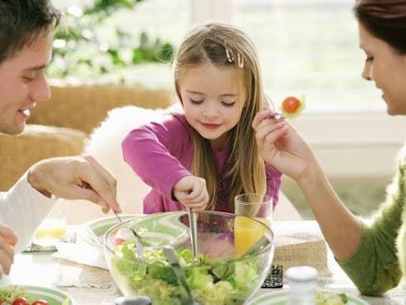 ¿Cómo enseñarle buenos modales a tus hijos?