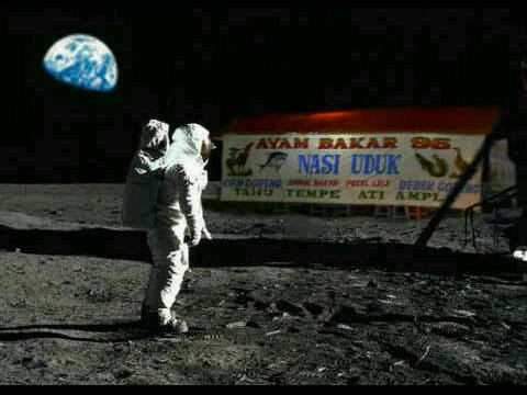 photo kocak astronot