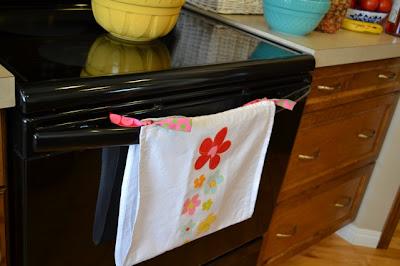 DIY Tea Towel Hanging