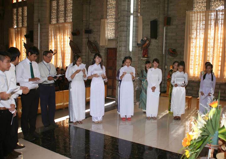 Thánh lễ tạ ơn và nghi thức lên đường của các em Giáo lý Vào Đời  tại Giáo xứ Chánh Tòa.