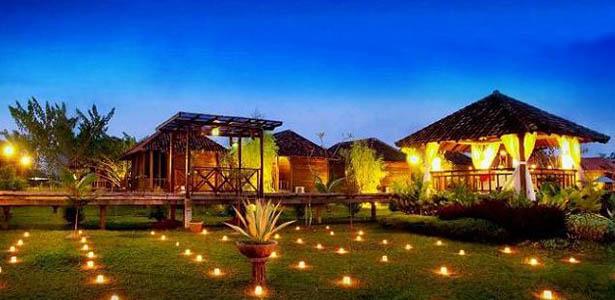 Hotel Gardenia Sungai Raya menawarkan konsep yang istimewa, yaitu penginapan di Villa yang berbalut keasriam alam dan Taman Rekrasi Fantasia