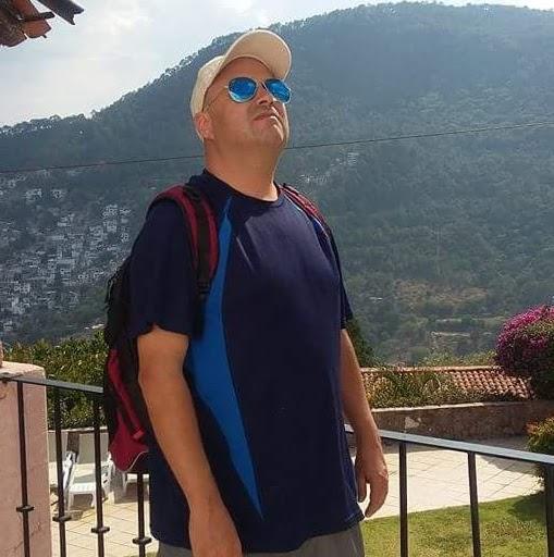 Carlos Varas