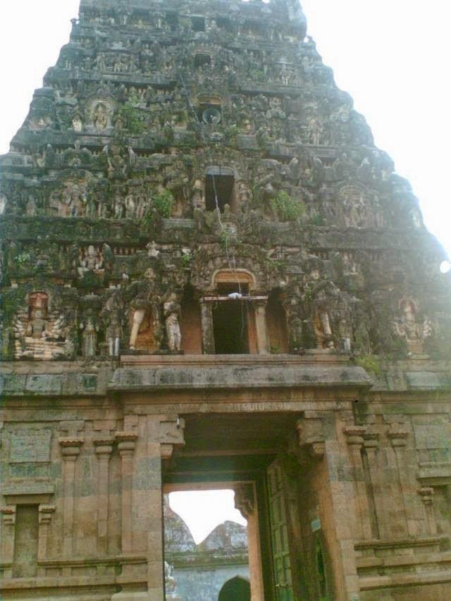 Sri Veerateswarar Temple, Tirukkurukkai, Mayiladuthurai - 275 Shiva Temples