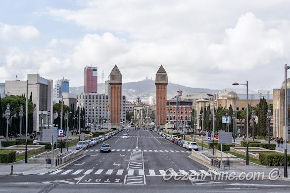 Plaça de Espanya meydanı