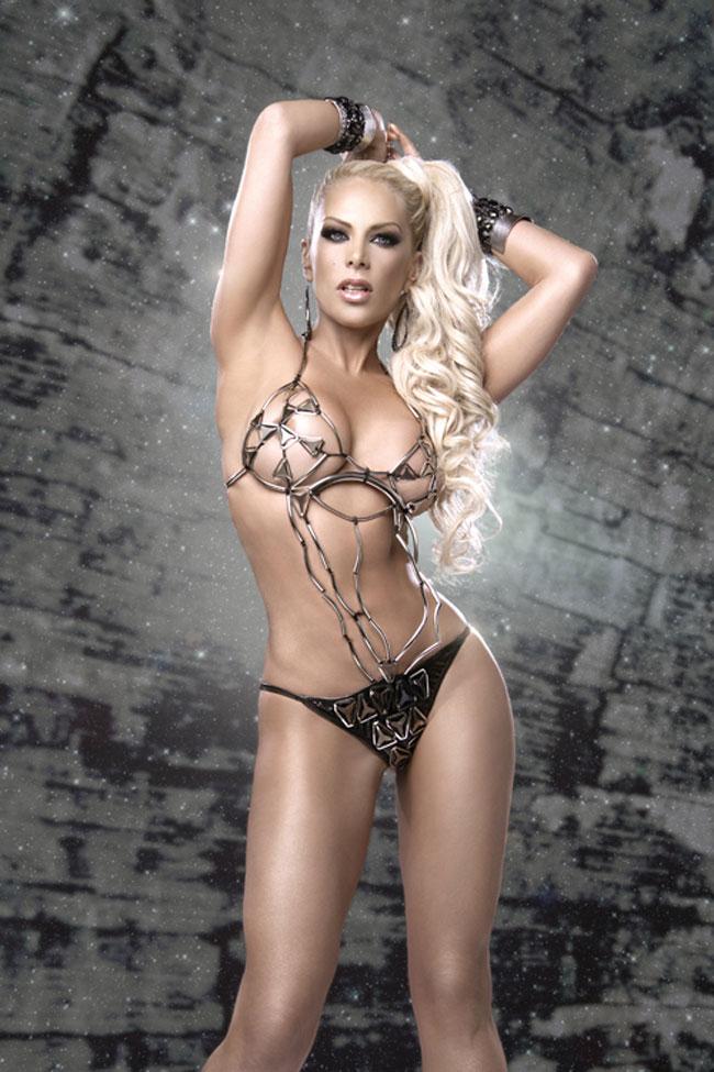 lorena-herrera-topless-hijab-sexual-naked