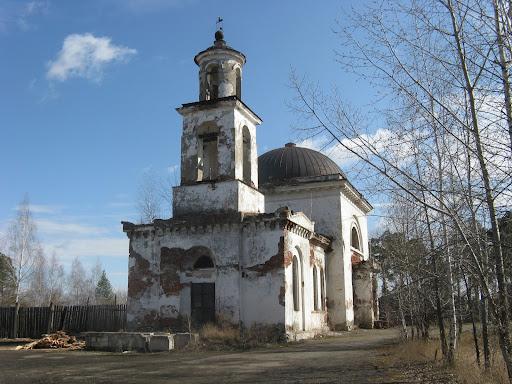 Далее Вознесенская церковь (1833 г.): permavtotravel.ucoz.ru/news/paskhalnoe_puteshestvie/2012-04-17-133