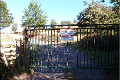 Cruzamos el portón