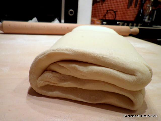 Piega a 4 pasta sfoglia