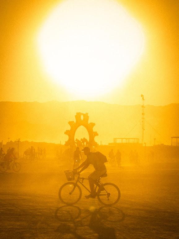 https://lh6.googleusercontent.com/-vEA0IVD0zlg/TmABIyH7esI/AAAAAAAAc2Y/Ga2sxn2BqiQ/s771/Burning-Man-2011-%28101-of-182%29.jpg