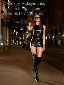 lujuria deseo deseos lascivia anhelos amor pasion pasión camino camina walk walking woman mujer gente sexo sensual sexy erótico bella poesia poesía poema romántico mujer romantic