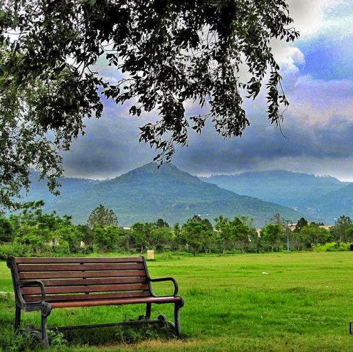 Saima Nadeem Photo 12