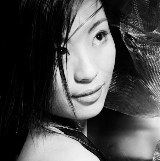Chloe Zhang Photo 12