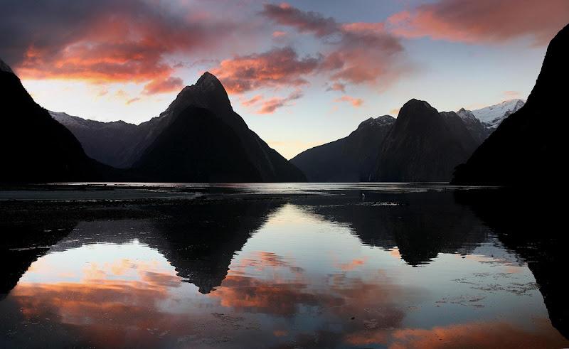 Закат в Национальном парке  Фьордленд (Fiordland National Park)