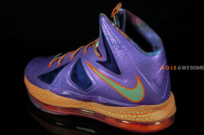 nike lebron 10 gs galaxy 2 02 A Detailed Look at Nike LeBron X GS Galaxy (543564 500)