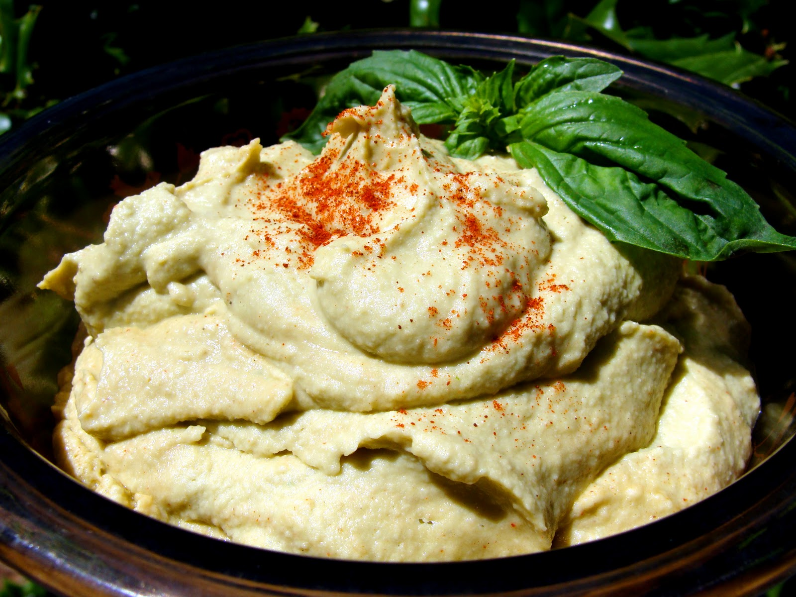 The Maine Vegan: Basil Hummus