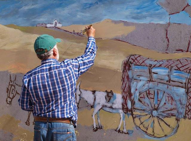 La recogida del piñón, Pascual Aranda pintando el mural