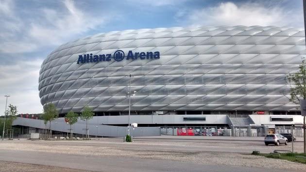 München von oben Rundflug, Allianzarena, Olympiapark, Bavaria Filmstadt
