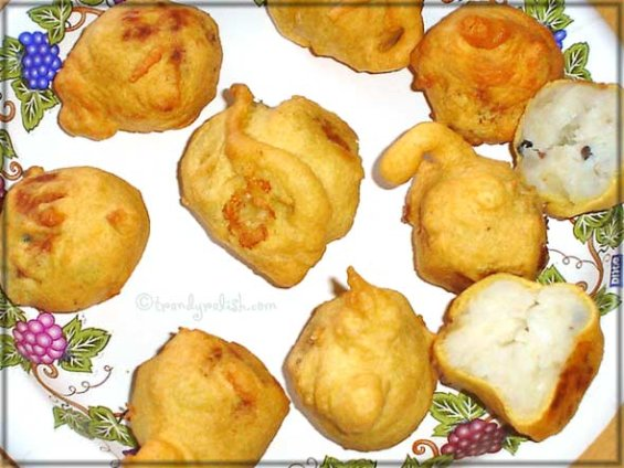 Potato (Aloo) Bonda