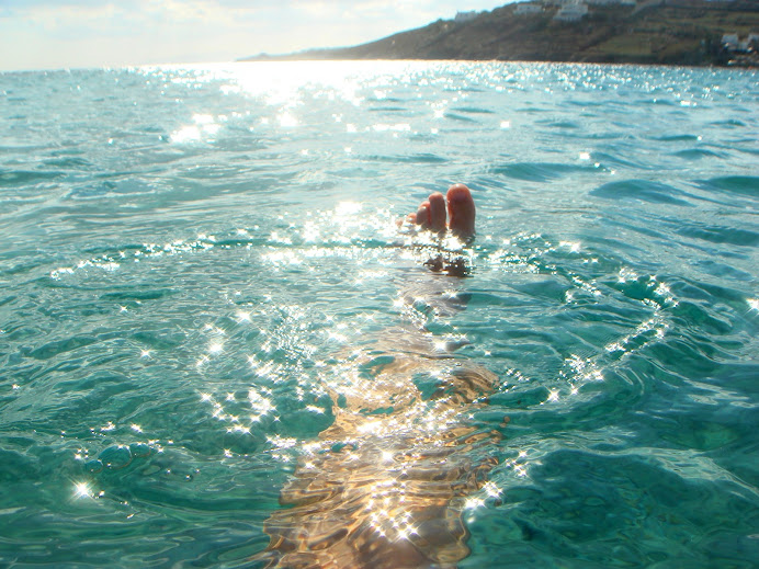 kąpiel w  morzu, Mykonos Grecja