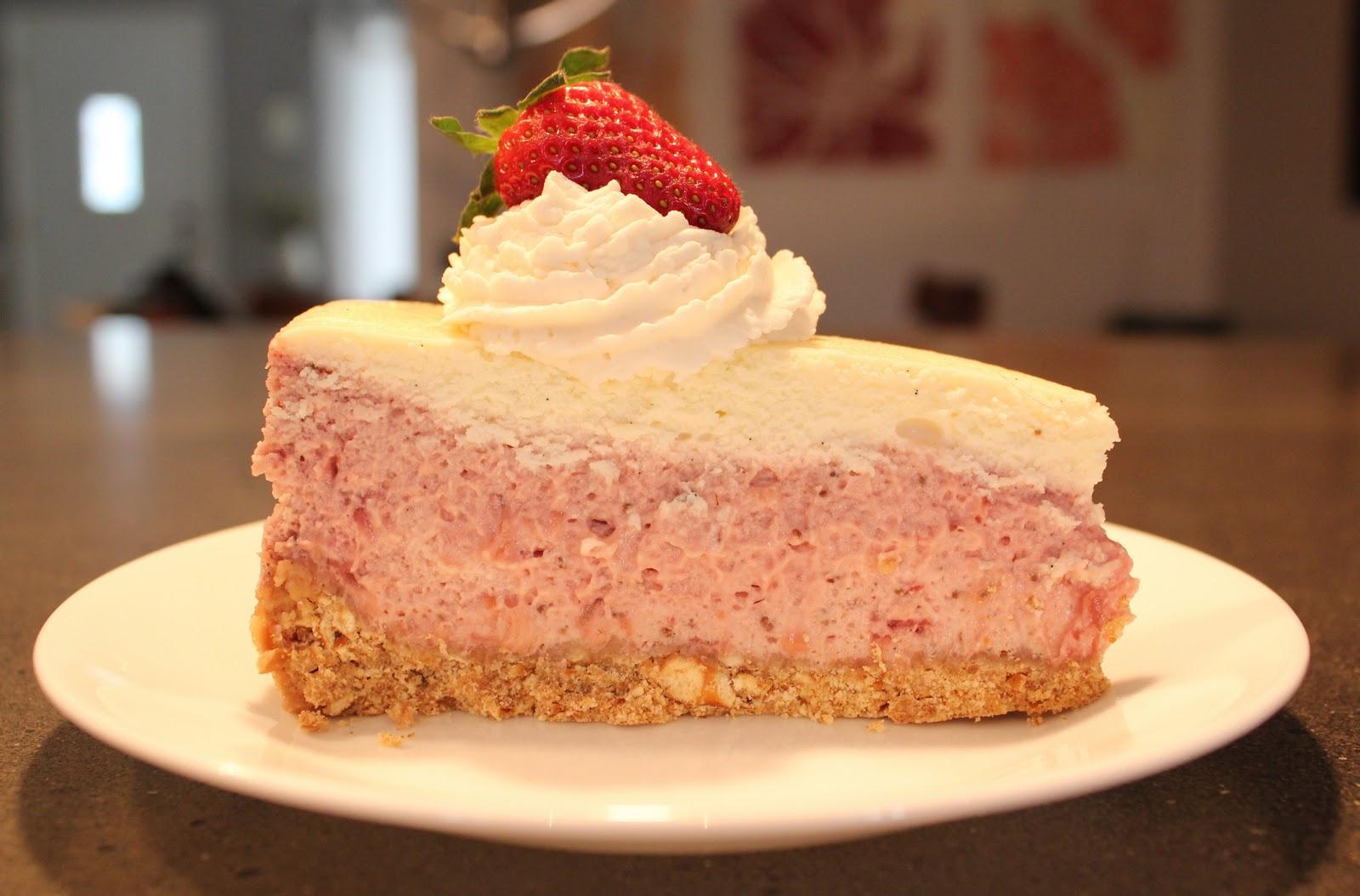 Strawberries and Vanilla Cream Cheesecake { print recipe }