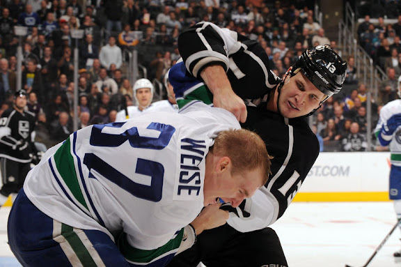 canucks_nov10_kings6.jpg