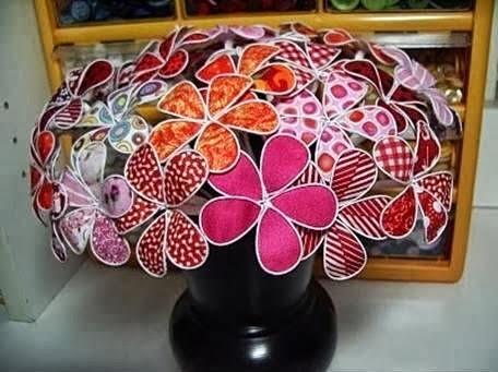 Flores com arame e tecido