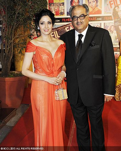Majestic looking Sridevi with husband Boney Kapoor at the 58th Idea Filmfare Awards in Mumbai.<br /> Click here for:<br />  58th Idea Filmfare Awards
