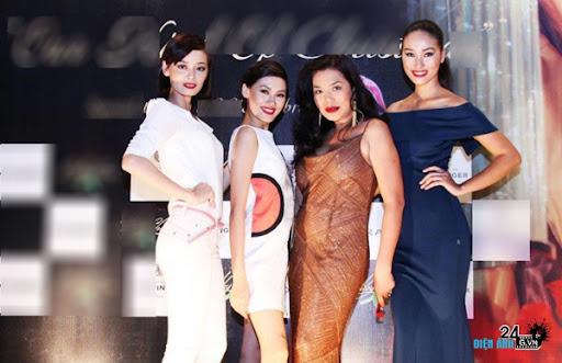 Huyền Trang 'lột xác' nhờ váy nữ tính - DIENANH24G