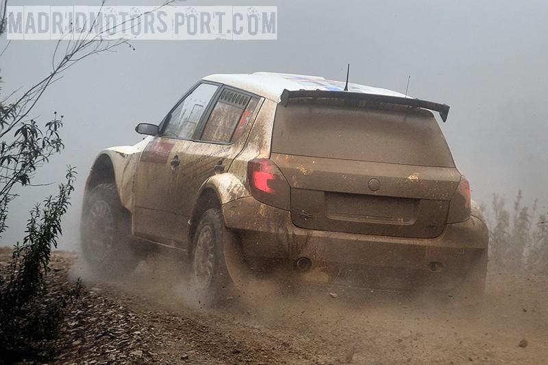 WRC Portugal 2012 S%25C3%25A9bastien-Ogier-y-Julien-Ingrassia_Skoda-Fabia-S2000_2
