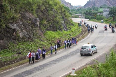 moc chau pys travel003 Điểm lại những hình ảnh nhộn nhịp Tết độc lập người Mông